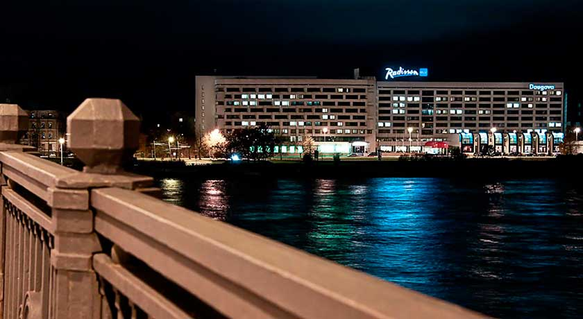 <br /> <b>Notice</b>:  Undefined variable: row_photel_image in <b>/home/tj2al6np/public_html/hoteles/detalle-hotel.php</b> on line <b>230</b><br />